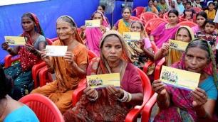 Jan Dhan Yojana - Unserved Women Getting Bank Accounts